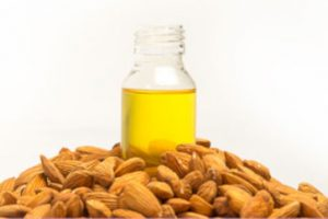 Aceite de almendras dulces para eliminar  estrias